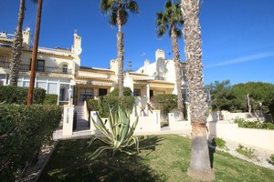 2 bedroom Villa for sale in Villamartin