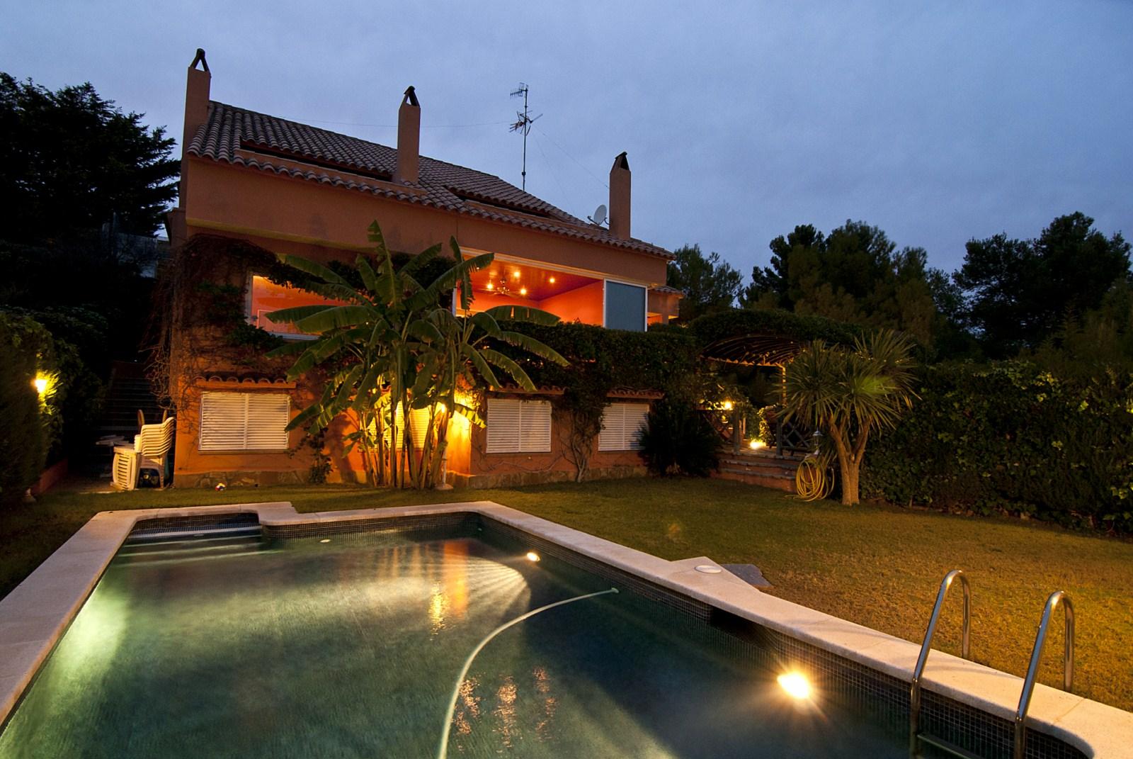 Вилла в Барселона, площадь 400 м², 5 спален