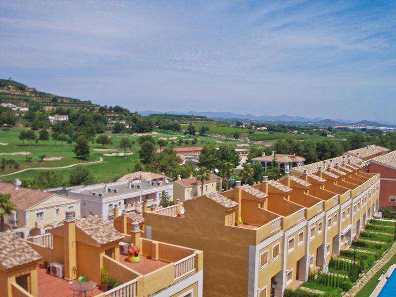 Таунхаус в Валенсия - Коста дель Азаар, площадь 74 м², 3 спальни