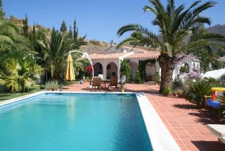 Вилла в Малага, площадь 296 м², 5 спален