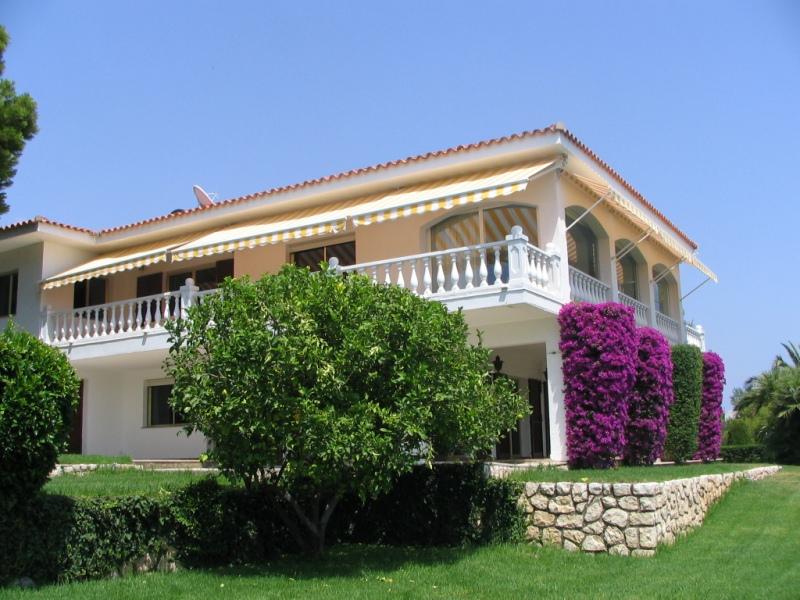 Вилла в Аликанте - Коста Бланка, площадь 620 м², 3 спальни