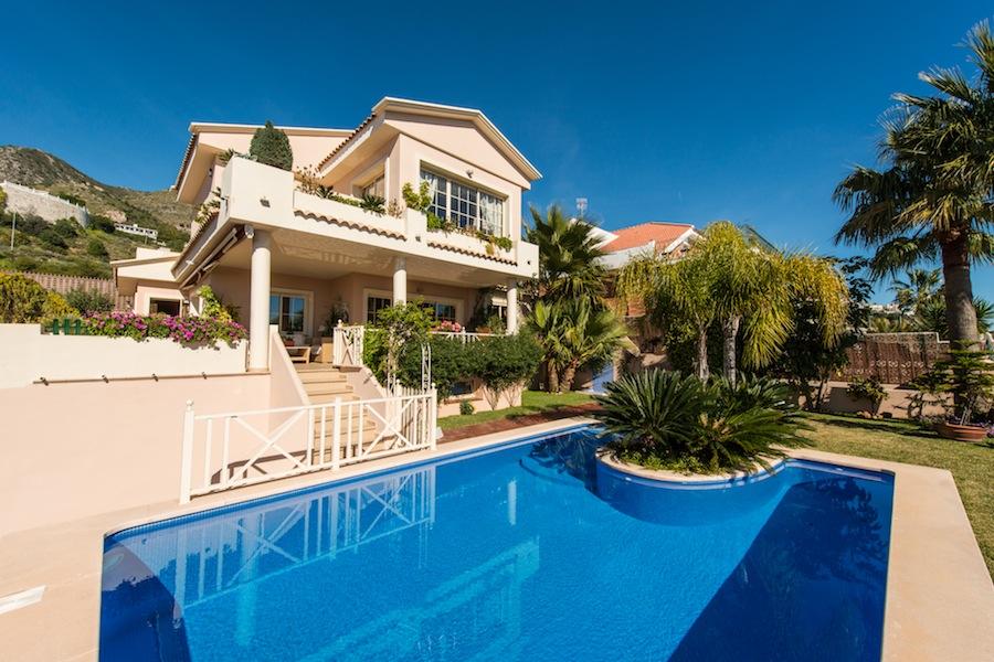 Вилла в Малага, площадь 430 м², 3 спальни