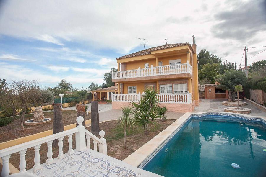 Вилла в Валенсия - Коста дель Азаар, площадь 200 м², 5 спален