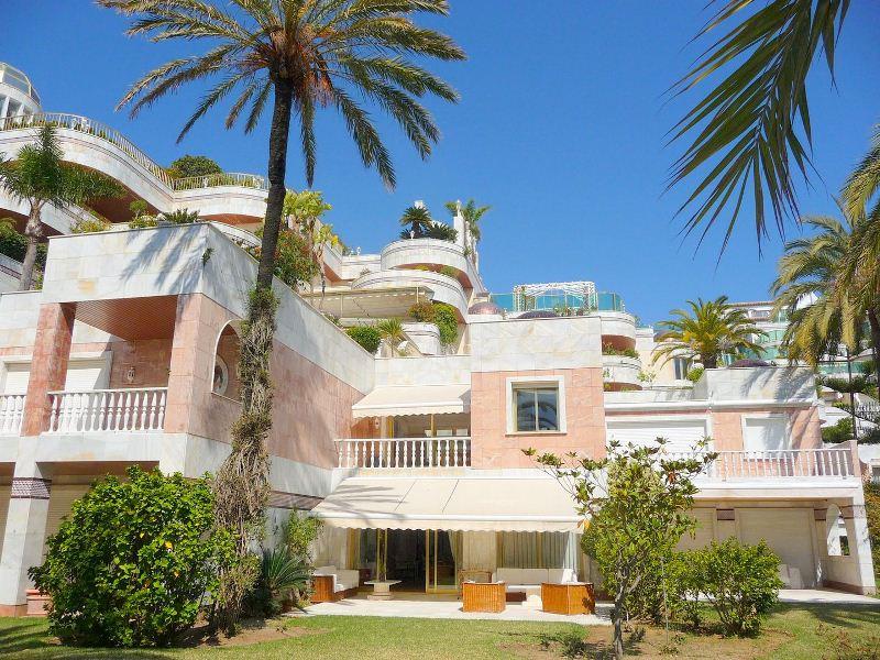 Апартаменты в Малага, площадь 450 м², 3 спальни