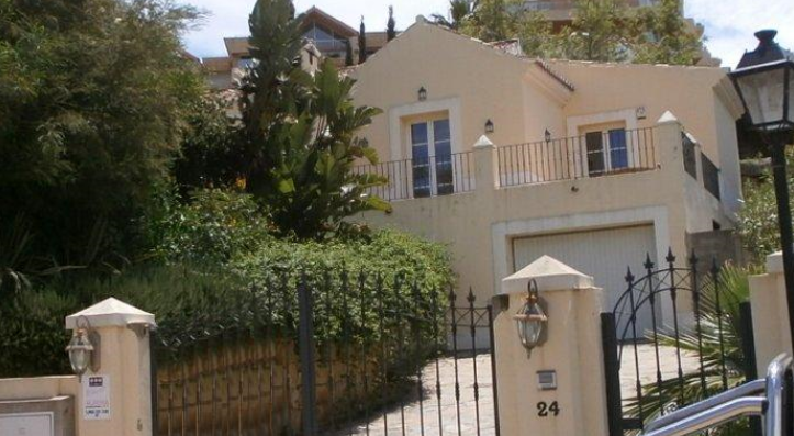Чалет в Малага, площадь 367 м², 5 спален