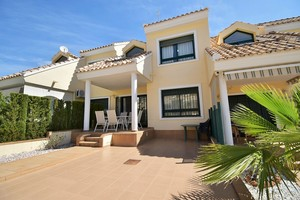 3 bedroom Adosado se vende en Orihuela Costa