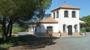 7 bedroom Finca for sale in Villarrasa