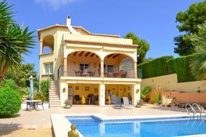 Villa de 3 dormitorio se vende en Javea