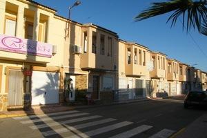 3 bedroom Rijtjes Huis te koop in Daya Vieja