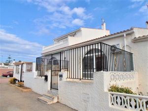 2 bedroom Villa for sale in Torrevieja