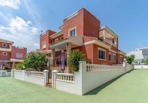 Geschakelde woning 2 slaapkamers te koop in Torrevieja