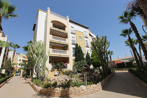 3 bedroom, 2 bathroom penthouse in Aldea Del Mar