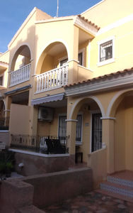 2 bedroom 1 bathroom townhouse in Las Filipinas