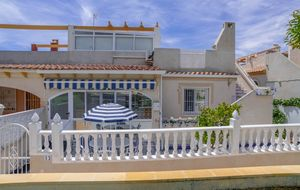 2 bedroom, 1 bathroom villa in Torrevieja