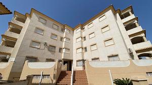 2 bedroom apartment with parking in La Zenia