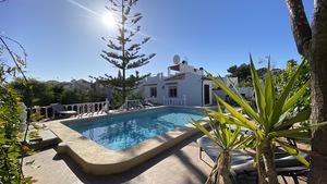 5 bedroom, 3 bathroom renovated villa in Los Balcones