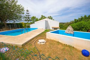 Country house with large area of land near to Alaior