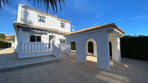 5 bedroom villa in La Zenia 600m from the beach