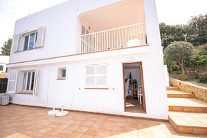 Villa divided into 2 apartments by Cala Galdana beach, Menorca