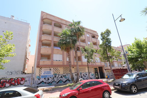 3 bedroom attic apartment in Torrevieja 250 metres from the beach