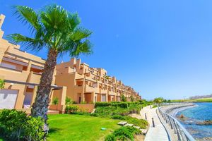 2 bedroom apartment on a golf course in Murcia