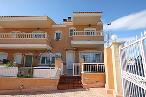 3 bedroom, 2 bathroom corner townhouse in Gran Alacant