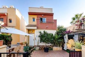 3 bedroom 2 bathroom detached villa in Los Dolses