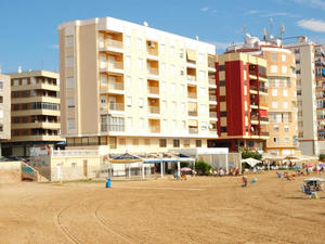 3 bedroom apartment in Torrevieja, with direct access to the beach