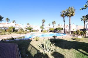 2 bedroom bungalow with 2 communal pools in Los Altos