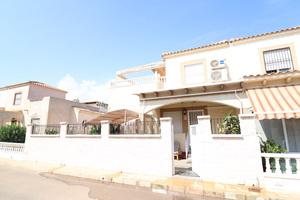 3 bedroom, 2 bathroom townhouse in Playa Flamenca