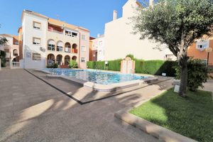 2 bedroom ground floor property in Torrevieja; 300m from the beach