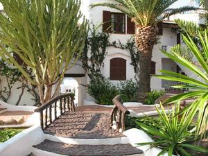 2 bedroom apartment in Fornells, Menorca with seas views