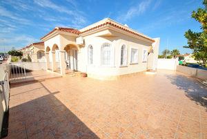 3 bedroom 1 bathroom detached villa in Lo Crispin