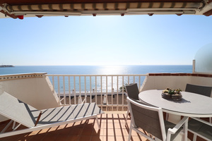 2 bedroom apartment with sea views, 50 metres from the beach in Agua Marina