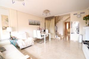 3 bedroom 2 bathroom duplex in Playa Flamenca with sea views