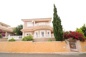 3 bedroom detached villa in Los Altos