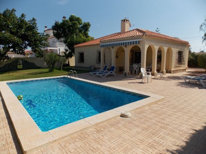 3 bedroom villa in Torrevieja with private pool