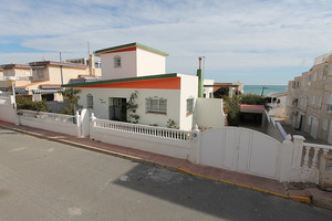 4 bedroom, 4 bathroom detached villa in Guardamar