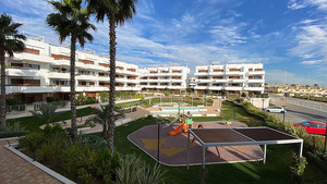 2 bedroom apartment with sea views in Lomas De Cabo Roig