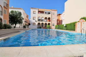 2 bedroom penthouse in Torrevieja; 300m from the beach