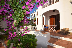 Ground floor apartment near the beach at Cala Tirant, Menorca