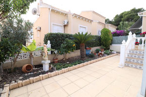 3 bedroom 2 bathroom villa in Las Filipinas, Orihuela Costa