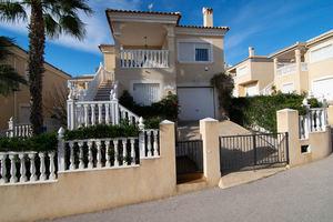 3 bedroom, 2 bathroom detached villa in Villamartin