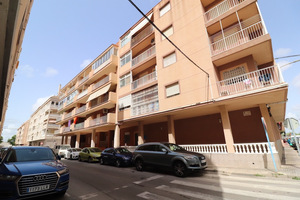 3 bedroom apartment in Torrevieja - 20 metres from the beach