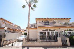 2 bedroom 2 bathroom corner townhouse in Playa Flamenca