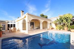 3 bedroom Villa for sale in La Regia