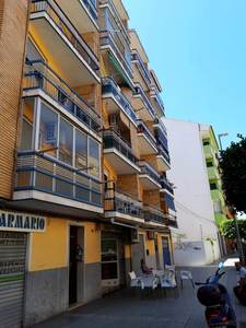 3 bedroom, 1 bathroom apartment in need of refurbishment in Villajoyosa