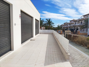 Commercial premises for restaurant or supermarket in La Marina