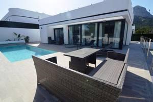 4 bedroom new build villa in Polop
