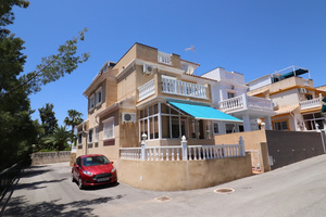 3 bedroom townhouse in Playa Flamenca with basement with additional rooms
